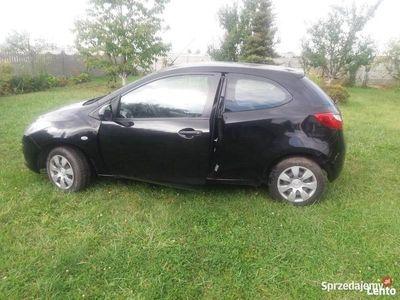 używany Mazda 2 benzyna klima grzane lusterka elektryczne
