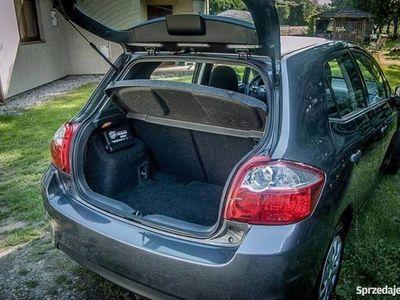 używany Toyota Auris 2011