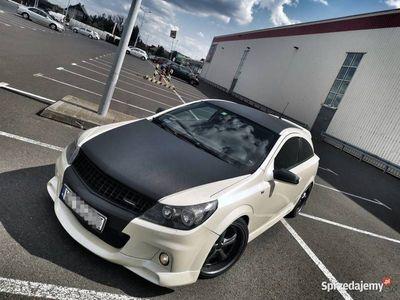 używany Opel Astra Opc 300 HP Mały przebieg Biała Perla ASO Tuning
