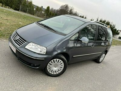 używany VW Sharan 1.9dm 130KM 2005r. 300 000km