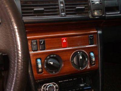 używany Mercedes 200 W124 klasa E.diesel