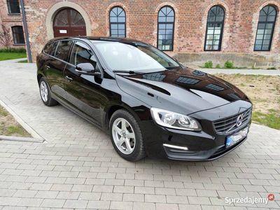 używany Volvo V60 D2, AUTOMAT, niski przebieg, pełny serwis