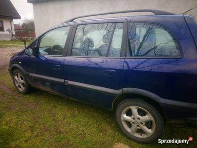 używany Opel Zafira 2004