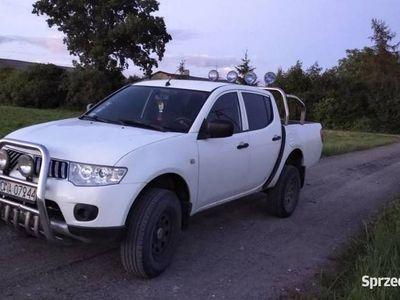 używany Mitsubishi L200 2.5 diesel pickup terenowy Zobacz !