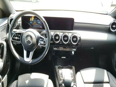 używany Mercedes CLA180 Shooting Brake