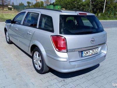 używany Opel Astra 1.9 skrzynia 6 cio biegowa klima sprawna tempomat
