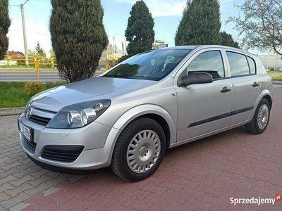 używany Opel Astra mały przebieg, klima ,oplacony