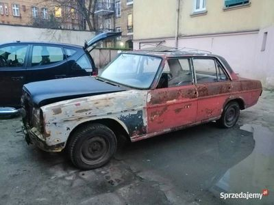 używany Mercedes W115 200D 1973r