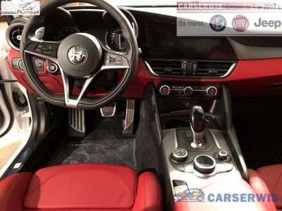 używany Alfa Romeo Giulia Veloce 2.0 280 KM | Biały / Bordowe skóry | PANORAMA