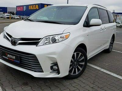 używany Toyota Sienna 3.5dm 296KM 2019r. 12 500km