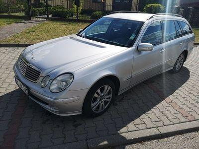 używany Mercedes E320 3.2dm 204KM 2004r. 383 000km