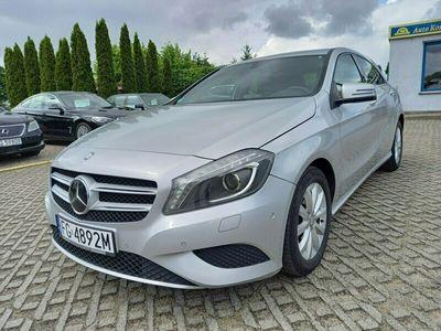 używany Mercedes A180 1.6dm 122KM 2012r. 207 850km