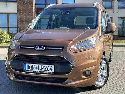 używany Ford Tourneo Connect 1.6dm 120KM 2014r. 111 406km
