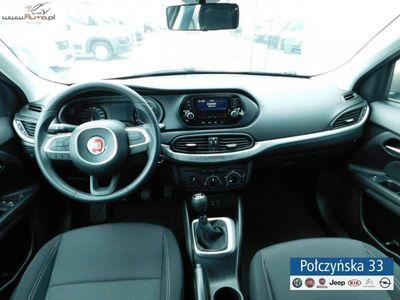 używany Fiat Tipo 1.4dm3 120KM 2017r. 6km 1,4 120 KM   czujniki parkowania,podłokietnik