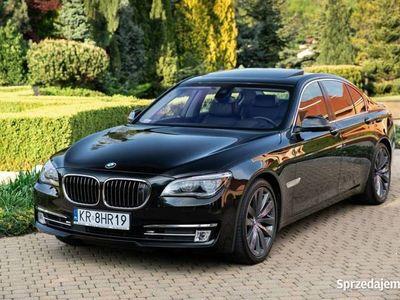 używany BMW 750 3dm 381KM 2014r. 143 764km
