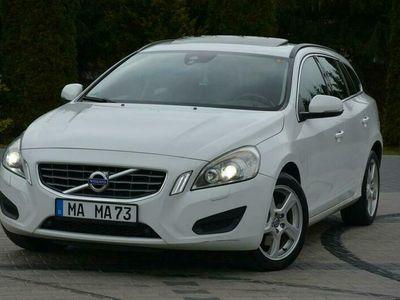 używany Volvo V60 2.0d(163KM) Biała Perła Xenon Led Skóry Navi Parkt.*ASO