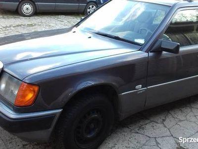 używany Mercedes E200 w124combi wersja Sportline