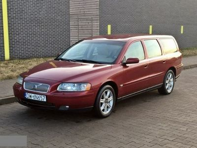 używany Volvo V70 2,4 D5 2005 r. skórzana tapicerk 2.4 2,4 D5 2005 r. skórzana tapicerka bezwypadkowy automatyczna klima.