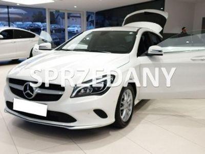 używany Mercedes CLA200 1.6dm 156KM 2016r. 109 291km
