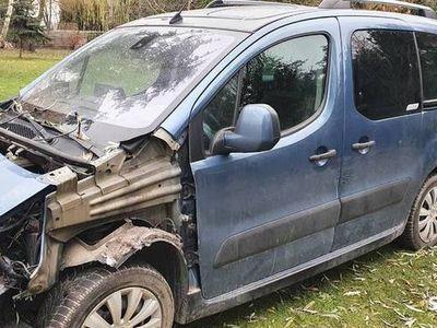 używany Citroën Berlingo uszkodzony
