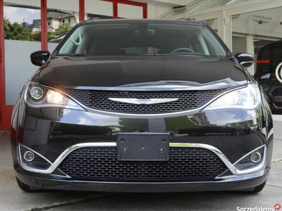 używany Chrysler Pacifica Touring, 7 osobowy, VAT23%