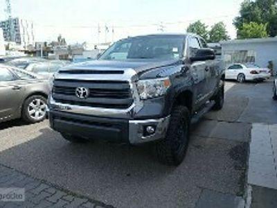 używany Toyota Tundra 5.7dm 395KM 2014r. 102 000km