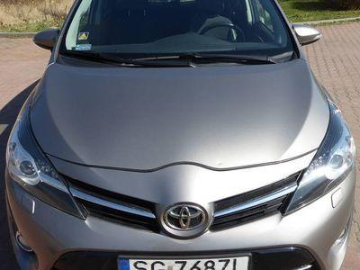 używany Toyota Verso Lift 2014 1,8 benzyna, 7 osobowa, Premium