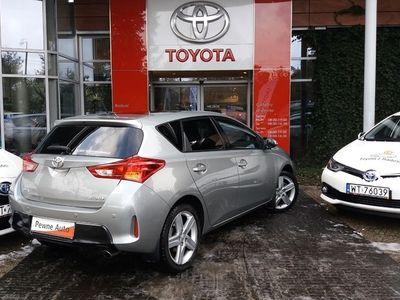 używany Toyota Auris 1.6 Dynamic CVT Tech Skyview Benzyna, 2013 r.