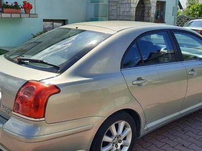 używany Toyota Avensis 2003 rok