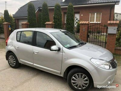 używany Dacia Sandero Niezawodna benzyna/Hak/Klimatyzacja/Isofix/Niski przebieg/z Niemiec I (2008-2012)