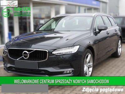 używany Volvo V90 2dm3 150KM 2018r. 1km Momentum D3 150 KM Geartronic+Nawigacja+Podgrzewane Fotele