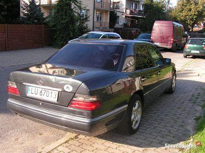 używany Mercedes E200 124automat LPG
