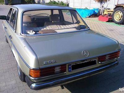 używany Mercedes 250 W123 sedan140 KM youngtimer