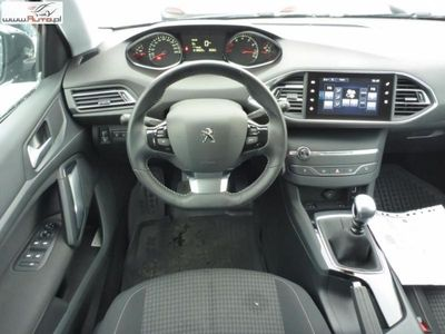 brugt Peugeot 308 308 1.2dm3 130KM 2017r. 18 809km1.2 Pure Tech Style S&S FV 23%, Gwarancja!!