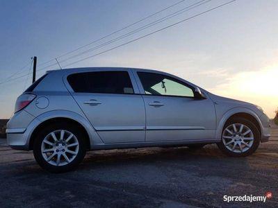 używany Opel Astra 2006 1.4 benzyna AUX mały przebieg