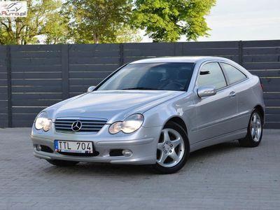 używany Mercedes C180 C 180 1.8dm3 143KM 2002r. 197 800kmKompressor Sport Coupe **143 KM **Org.Przebieg / 40 zdjęć