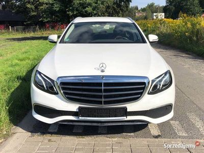 używany Mercedes E200 Niski Przebieg,Bardzo Zadbany z Gwarancją !!!