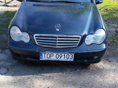 używany Mercedes C200 kombi