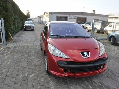używany Peugeot 205 207 1.6dm 110KM 2006r.000km