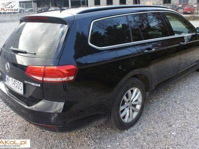 używany VW Passat 2dm3 150KM 2015r. 112 000km Salon Polska VAT Serwis DSG Perła xenon Navi Rozpoznawanie znaków