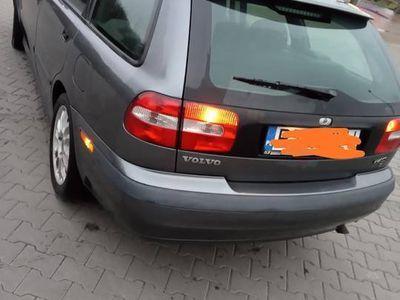 używany Volvo V40 1.9 td bogate wyposażenie