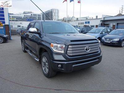 używany Toyota Tundra 5.7dm3 380KM 2015r. 35 000km