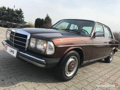 używany Mercedes 200 W123LPG automat klasyk zarejestrowany