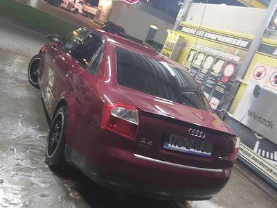 używany Audi A4 b6 1.9 tdi uszkodzona jak na zdj