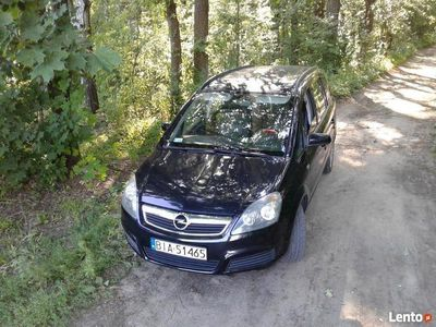 używany Opel Zafira 2