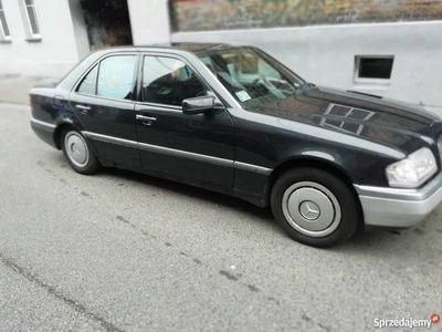 używany Mercedes C280