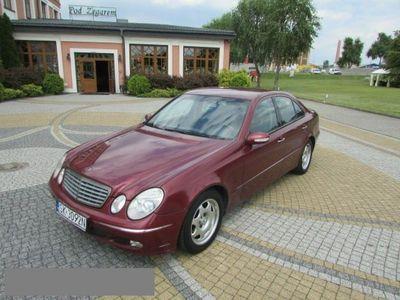 używany Mercedes E270 2.7dm 177KM 2002r. 280 000km