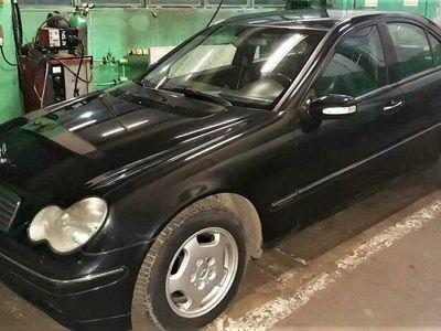 używany Mercedes C220 klasaCDI 2001