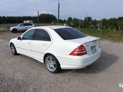 używany Mercedes C230 2.5V6