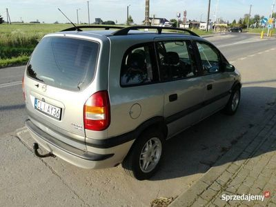 używany Opel Zafira